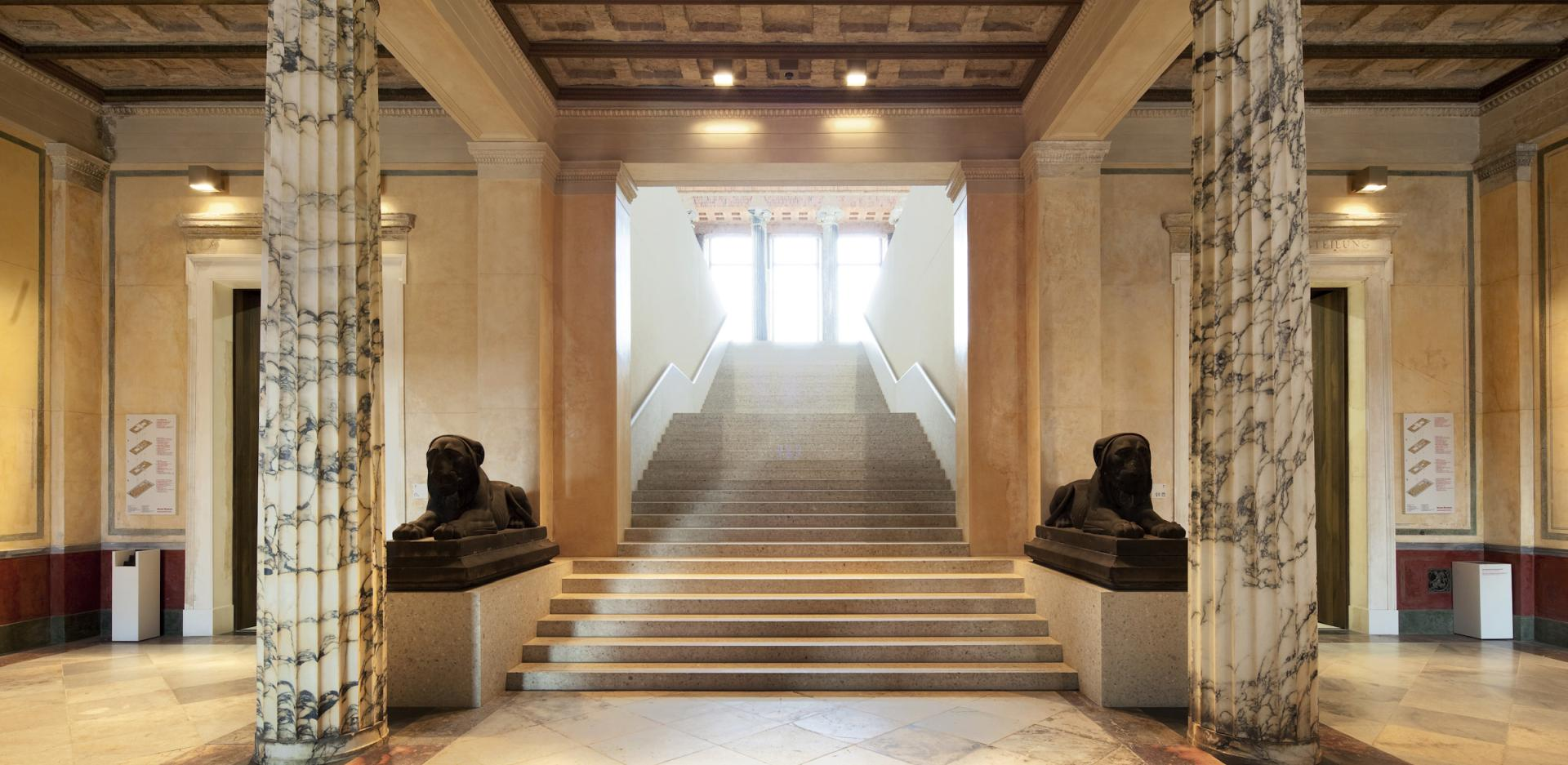 Vestibule of the Neues Museum