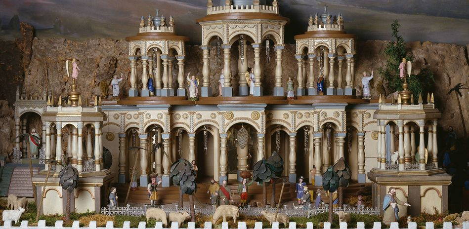 The image shows a section from the Giant Mechanical Nativity Scene from the Ore Mountains.