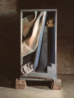 Anthony Caro,<strong> Flesh (The Last Judgement Sculpture)</strong>, 1995-1999, Beton, Holz, Messing und Stahl, Sammlung Würth, Inv. 5428, © Barford Sculptures Ltd, Foto: David Buckland
