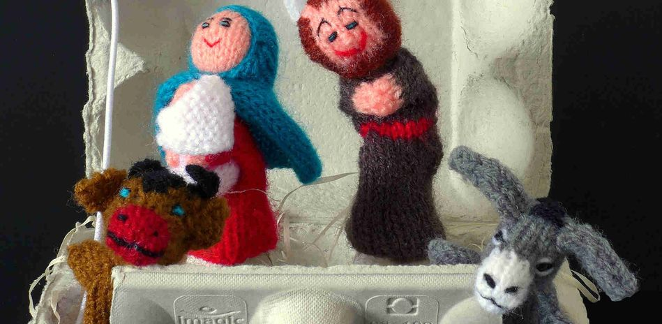 Manger to go, with finger puppets from Peru, 2014. Sold by Titicaca Trade.