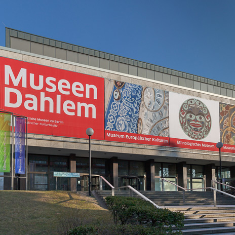 The image shows: Ethnologisches Museum